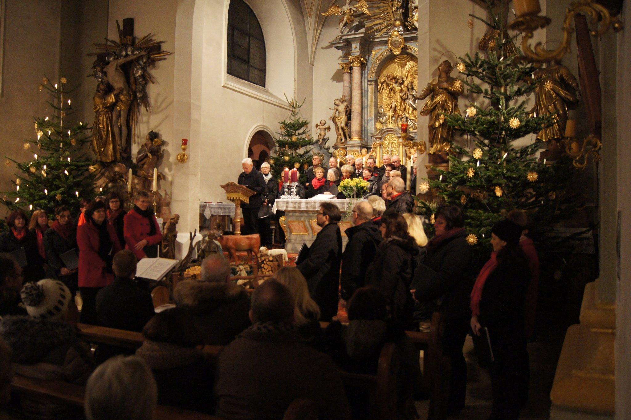 Adventliche Weisen stimmten auf Weihnachten ein - Großheubach